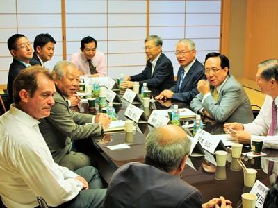 第二回理事会および意見交換会を開催