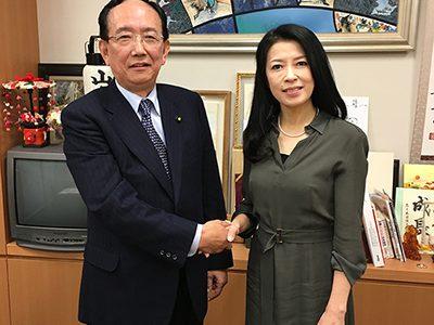 藤野公孝理事長がバイオリニストの川井郁子さんと対談